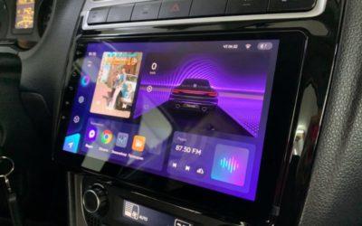 Установили мультимедиа на базе Android с сенсорным управлением на Volkswagen Polo