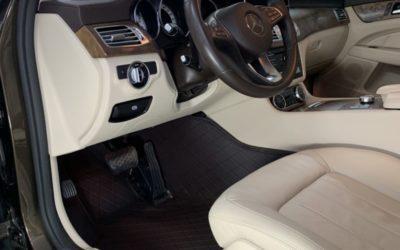 Индивидуальный пошив автоковриков премиум класса из эко кожи в салон Mercedes CLS