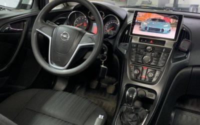 Opel Astra J — установка новой мультимедиа с 9 дюймовым экраном