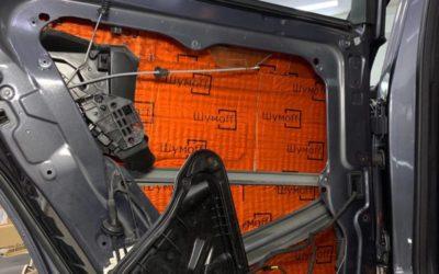 Mercedes GLS 350 — шумоизоляция всех дверей и наружных арок, тонировка стекол пленкой Stek