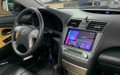 Toyota Camry 2006 года — установка Android мультимедиа и камеры заднего вида