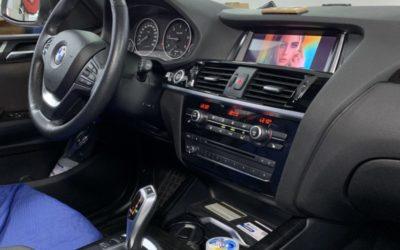 BMW X3, 2016 года — заменили маленькое головное устройство на мультимедиа на базе Android