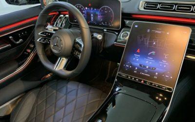 Бронирование всех мониторов в салоне Mercedes S350 матовой полиуретановой плёнкой