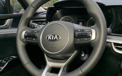 Резиновый руль от Kia K5 переодели в натуральную кожу Наппа, австрийская фабрика Wollsdorf