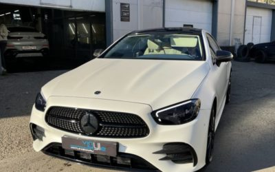 Mercedes E200 — бронирование, ламинация карбоном, оклейка крыши, покраска решетки, значков, тонировка и замена диффузора
